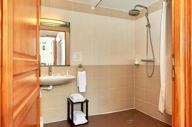Au Relais Nivernais - Salle de bain / douche